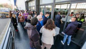 Palermo fiera Codacons lunghe attese vaccini